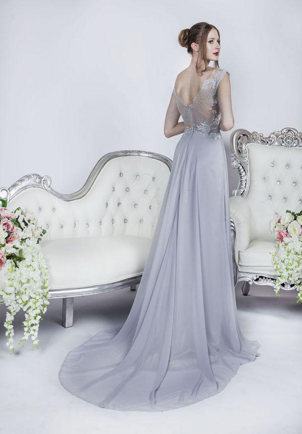 Elegantní večerní společenské šaty stříbrné barvy