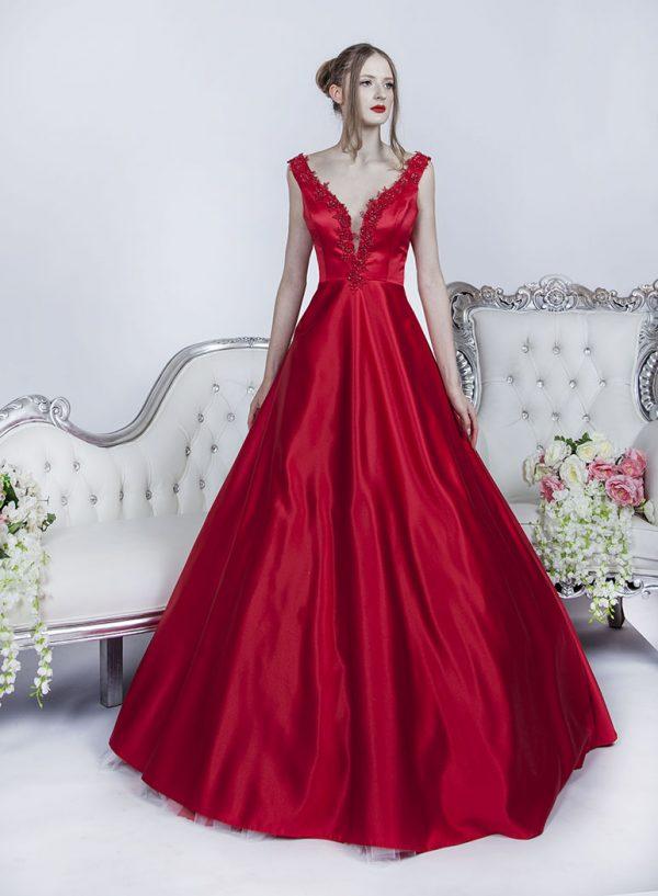 Červené plesové šaty s hladkou sukní