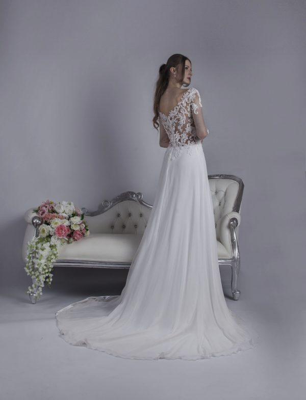 Svatební šaty s vlečkou ze šifónu