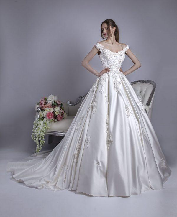 Svatební šaty s krásnou a luxusní sukní