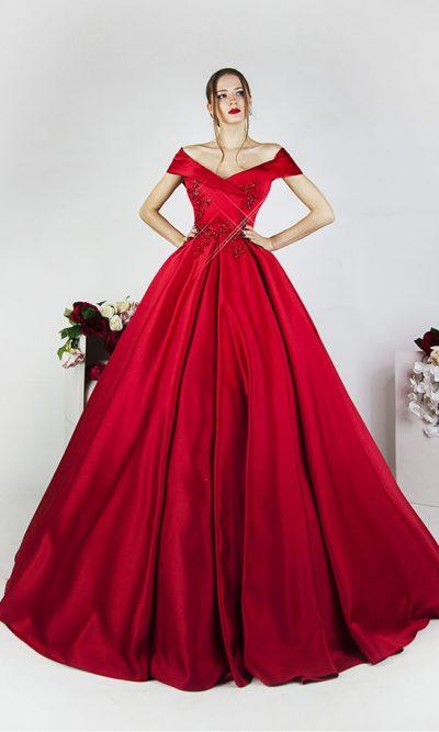 Plesové šaty s červeným límcem a krajkou