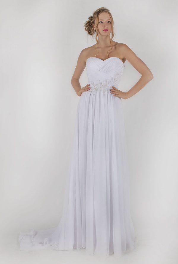 Originální a jemné svatební šaty