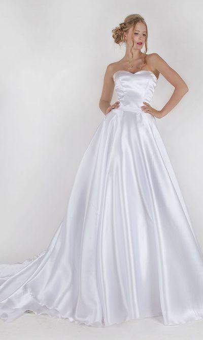 Saténové lesklé svatební šaty levně