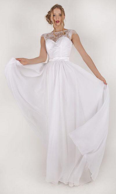 Bílé svatební šaty ze šifónu