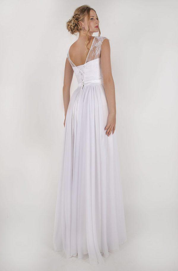 Levné splývavé svatební šaty Praha