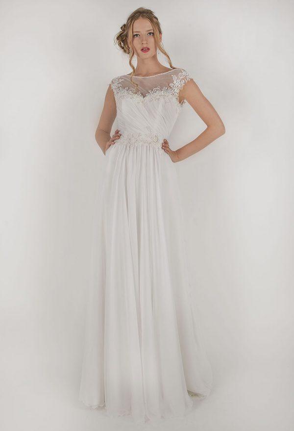 Výprodej splývavých svatebních šatů smetanové barvy