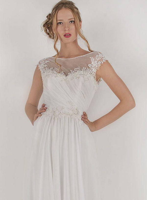 Svatební šaty s drpaováním z výprodeje