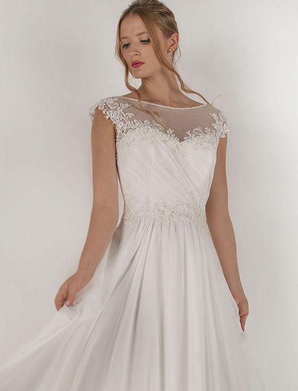 Svatební šaty s jemnou krajkou a super cenou