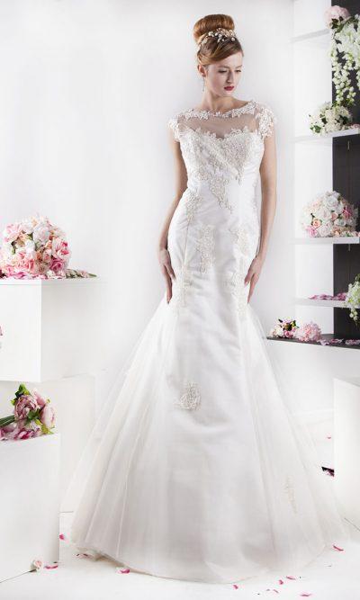 Něžné a velmi romantické svatební šaty z výprodeje