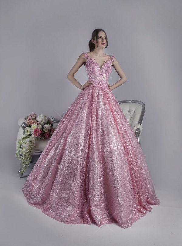 Bohaté a třpytivé růžové společenské šaty