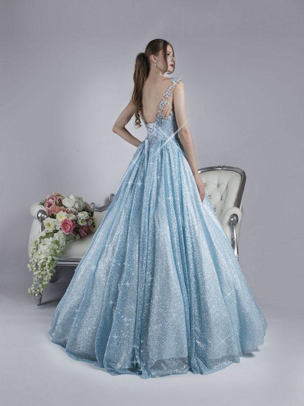 Pohádkové maturitní šaty pro popelku