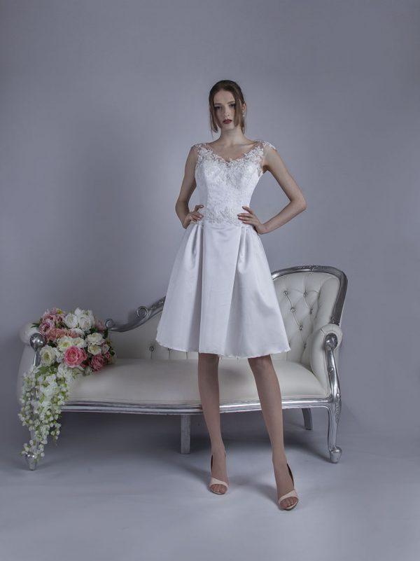Elegantní svatební šaty krátké délky