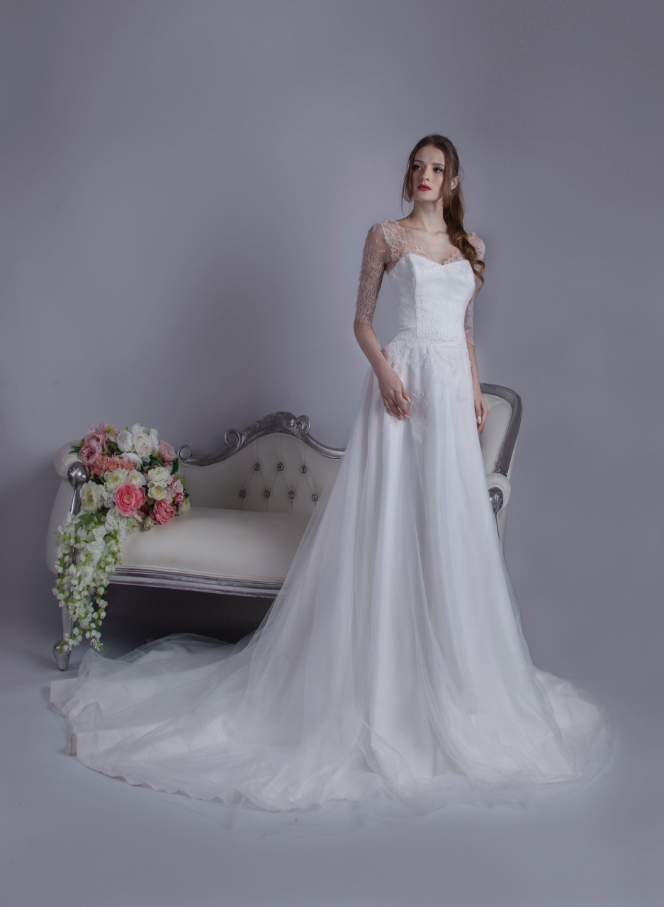 Krásné a romantické luxusní svatební šaty