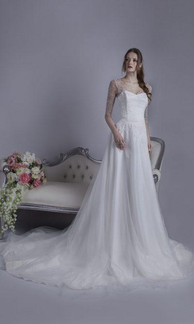 Svatební šaty s jemným a tenkým tylem