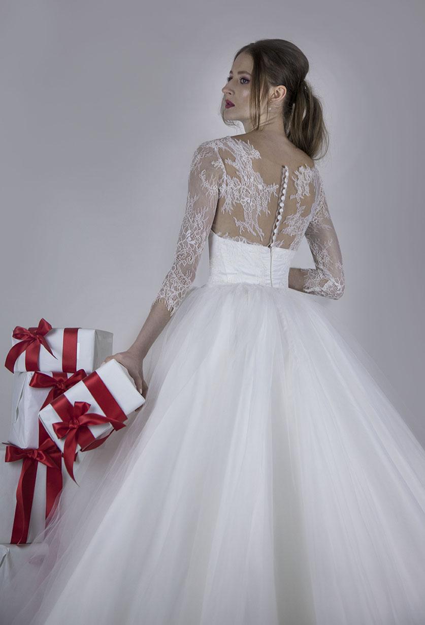 Krajkové svatební šaty romantického princeznovského stylu
