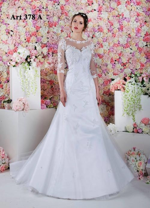 Elegantní svatební šaty s rukávem bílé barvy