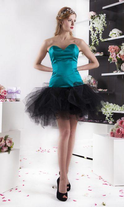 Koktejlové tyrkysové společenské šaty s černým tylem