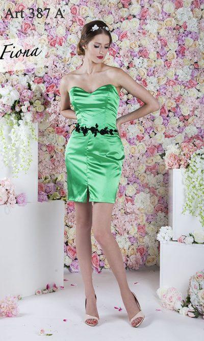 Saténové lesklé koktejlové šaty