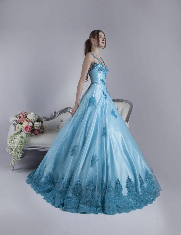 Plesové šaty s velikou princeznovskou sukní