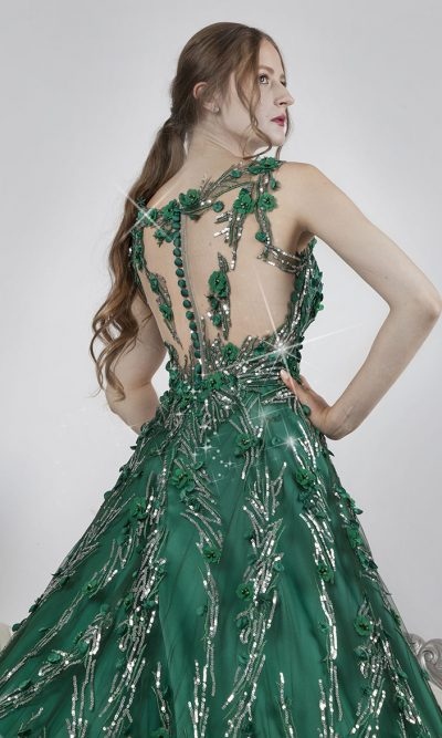 Zelené knoflíčky u společenských šatů