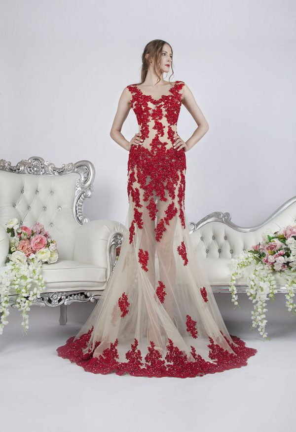 Originální a velmi sexy průhledné večerní šaty