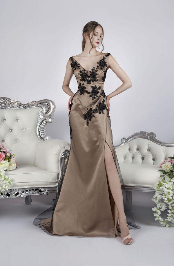 Společenské šaty s dlouhou sukní a černou krajkou