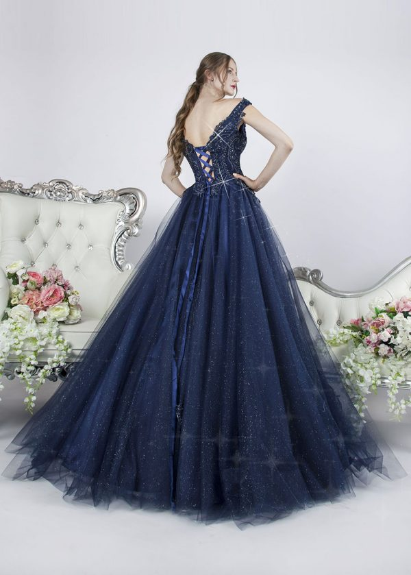 Společenské šaty tmavě modré barvy s kamínky