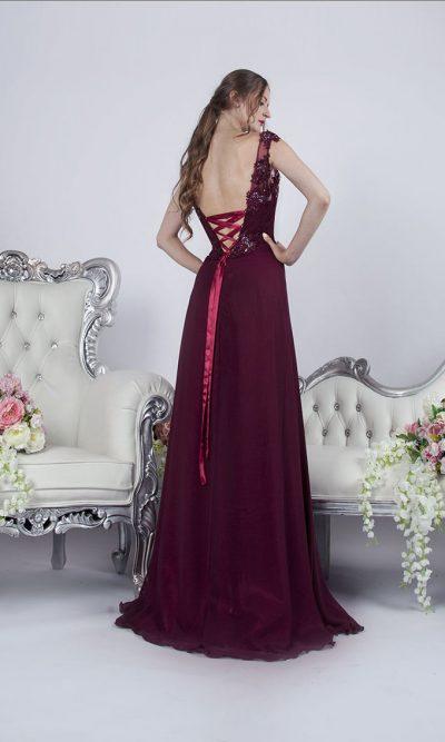 Společenské šaty bordo barvy na večer nebo na akci