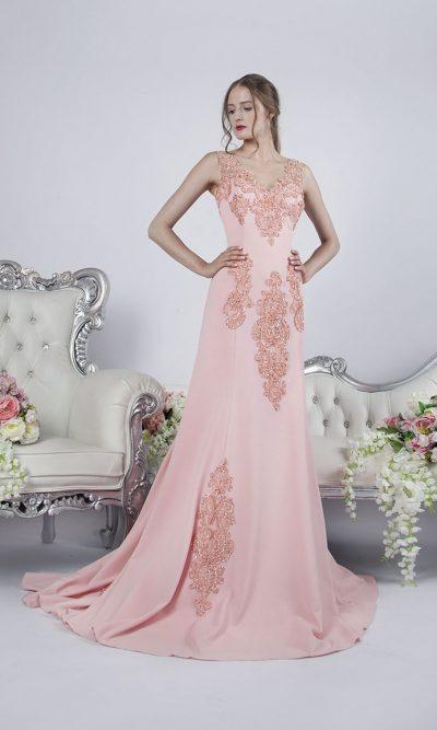 Krásné a velmi něžné áčkové společenské šaty