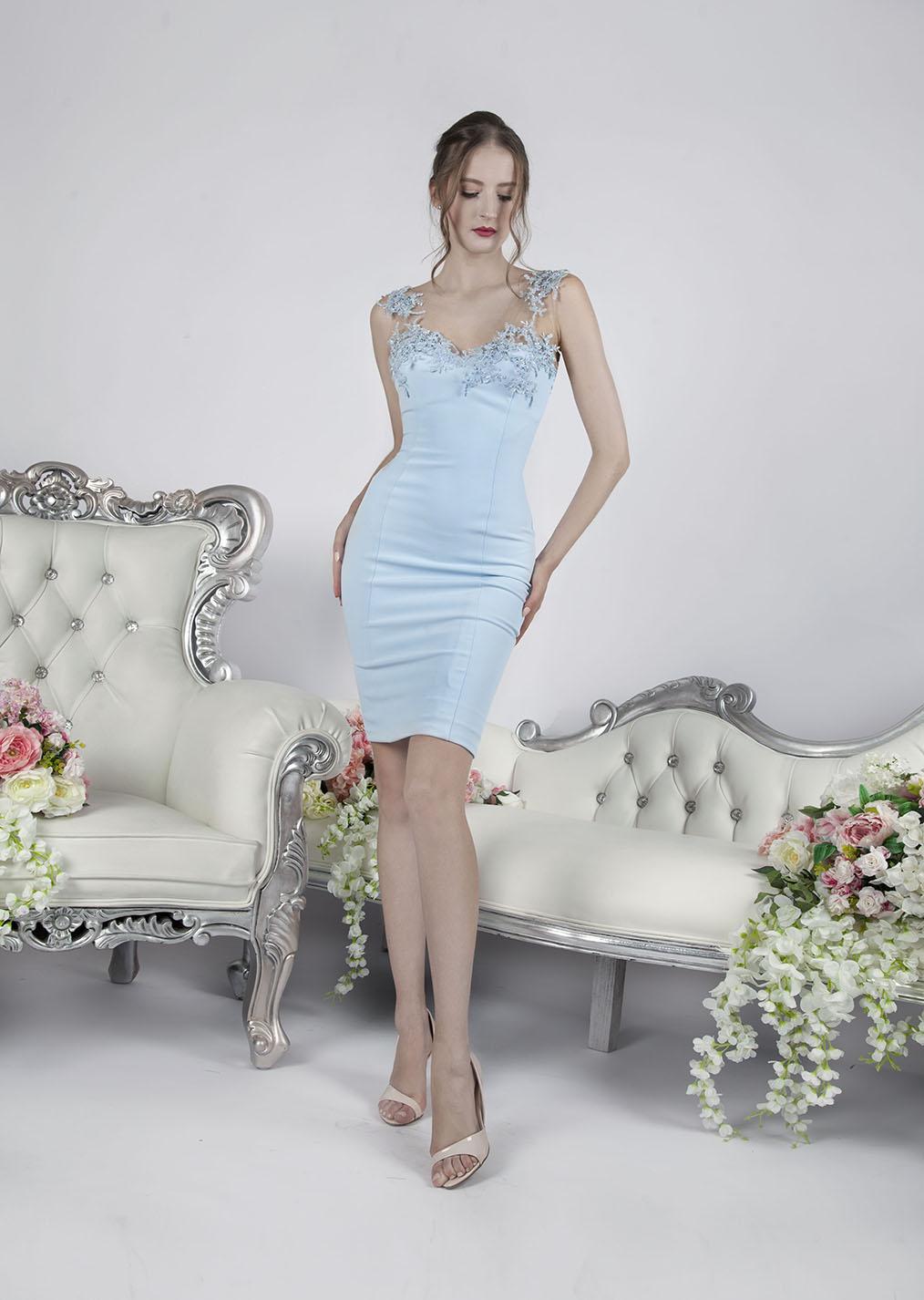 Večerní šaty krátké koktejlové délky modré