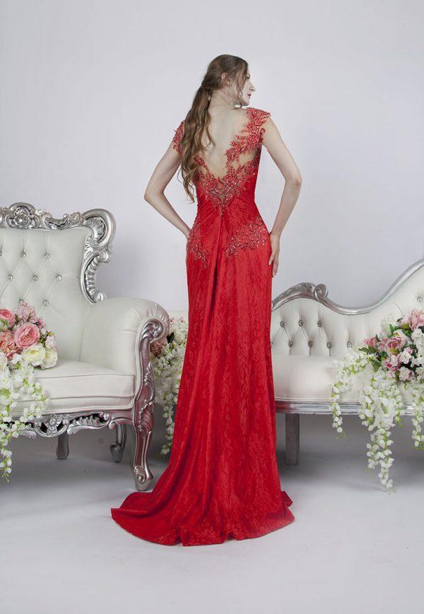 Jemné společenské šaty na svatbu korálové