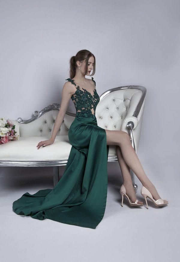 Sexy a originální zelené společenské šaty