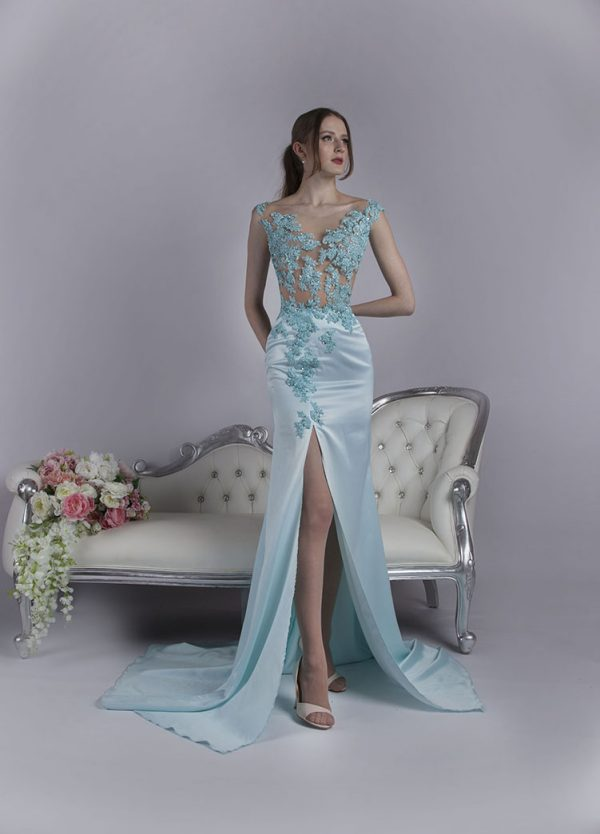 Večerní šaty s krásným sexz rozparkem