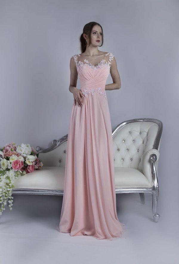 Romantické a krásné společenské šaty