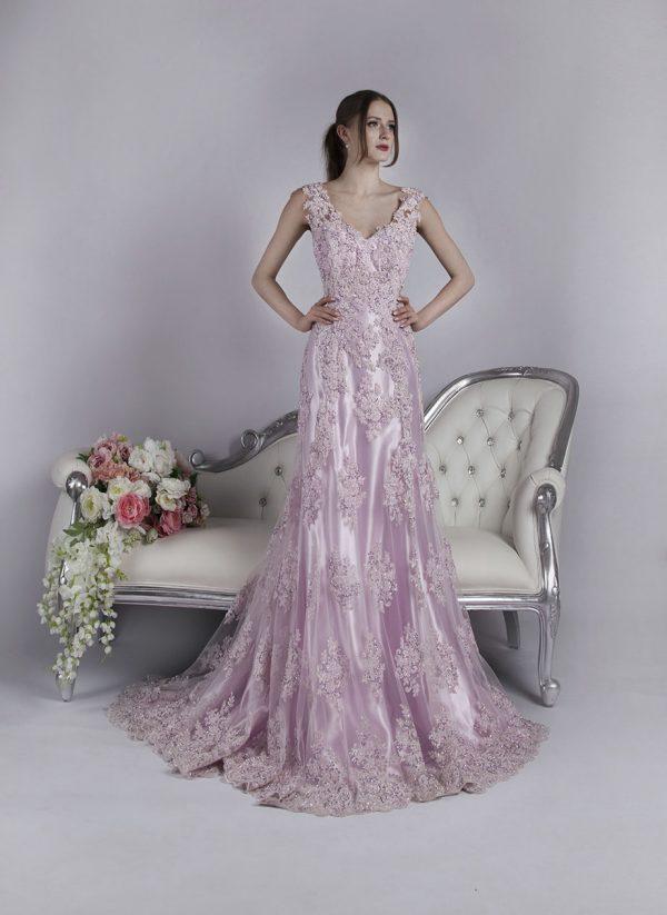 Krajkové společenské šaty růžové barvy Praha
