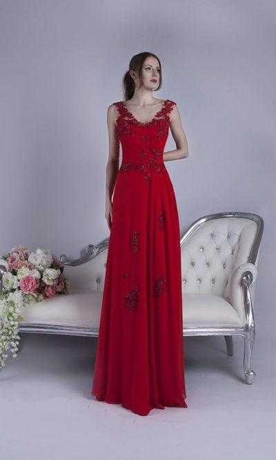 Červené večerní šaty pro plnoštíhlé na svatbu