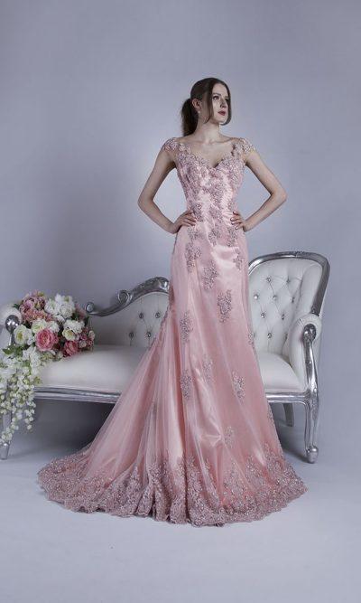 Večerní šaty s krajkou a luxusní výšivkou