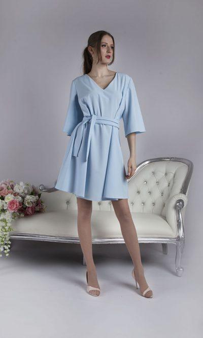 Elegantní světle modré koktejlové šaty