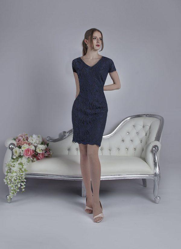 Společenské šaty pro plnoštíhlou postavu