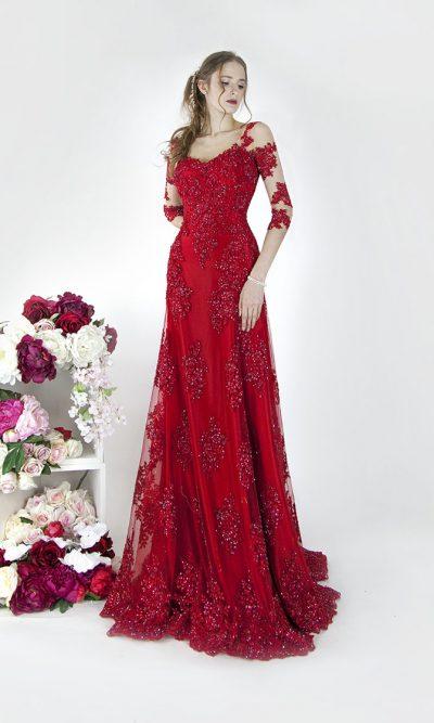 Krajkové červení šaty Praha s dlouhým rukávem
