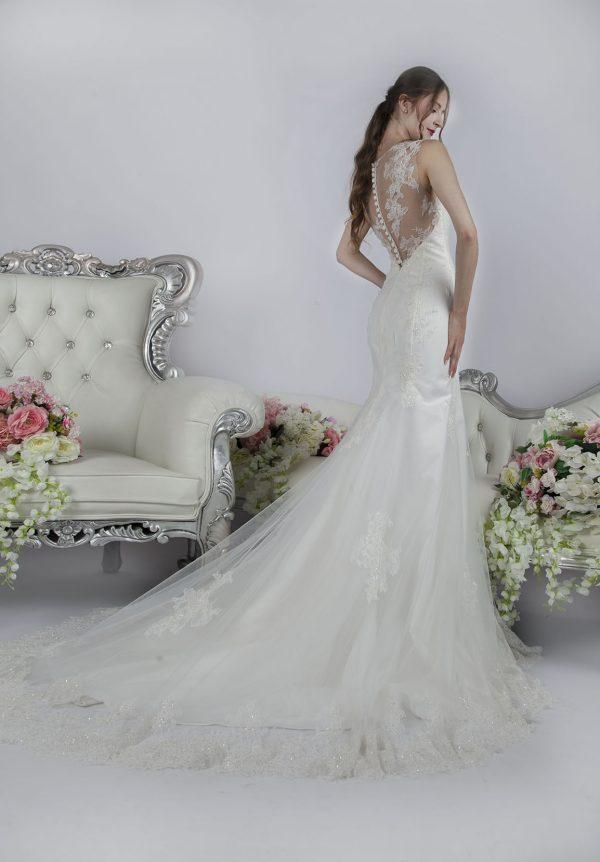 Svatební šaty střih mořská panna smetanové barvy