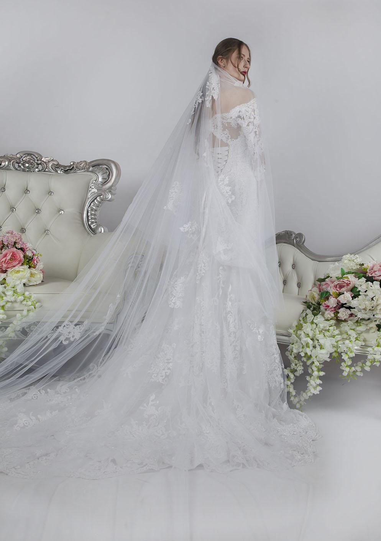 Svatební šaty z francouzské krajky