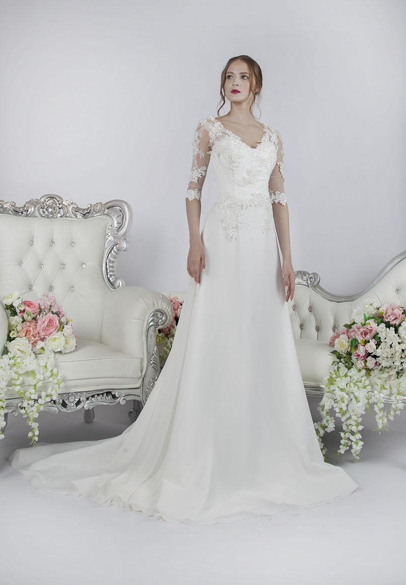 Áčkové svatební šaty Praha s rukávy