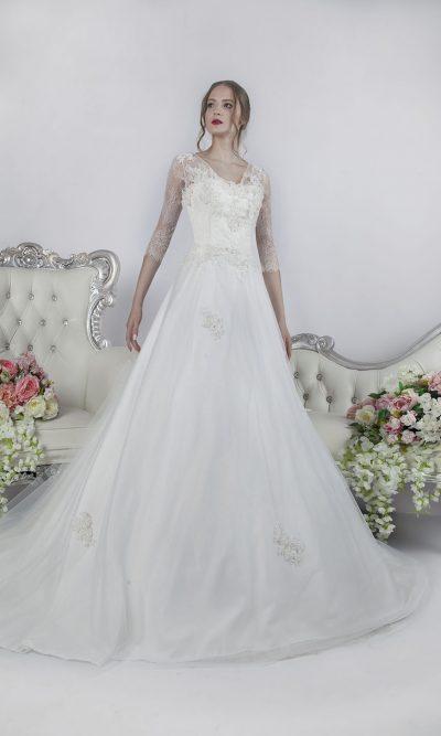 Klasické svatební šaty s rukávky Praha