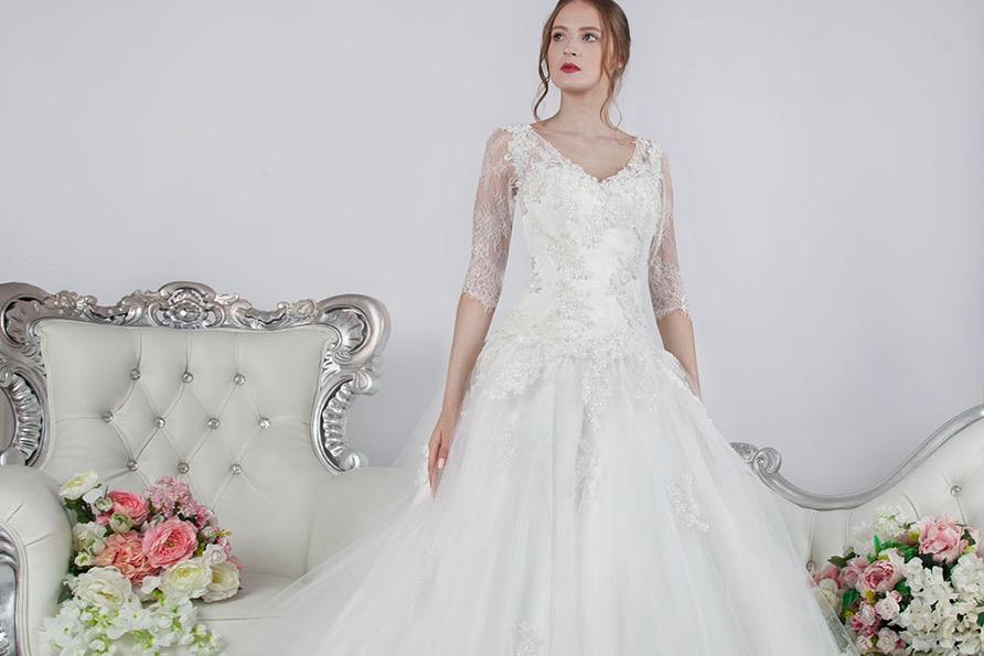 Nadčasové a trendy áčkové svatební šaty Praha