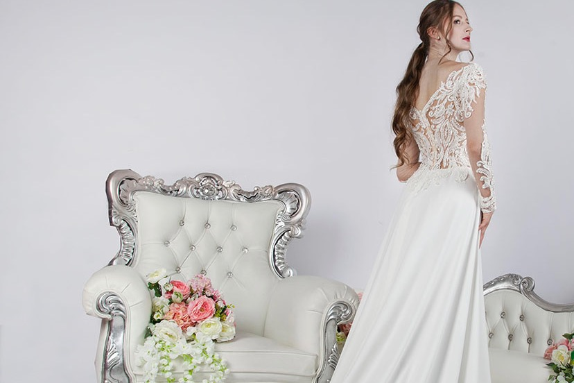 Zkouška svatební šaty prodej půjčení Praha