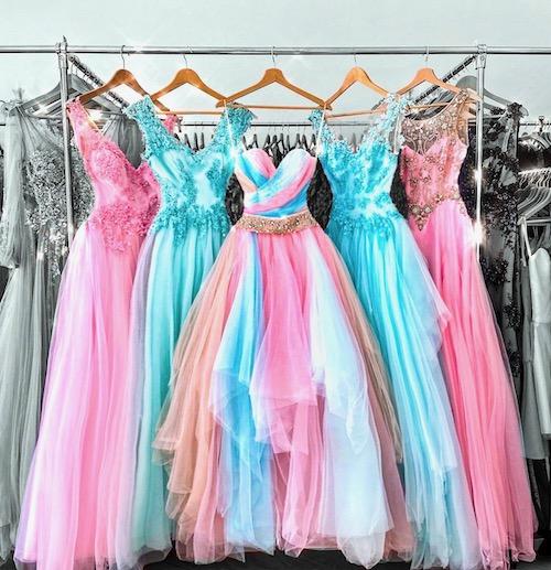 Zkrácení a zmenšení společenských šatů