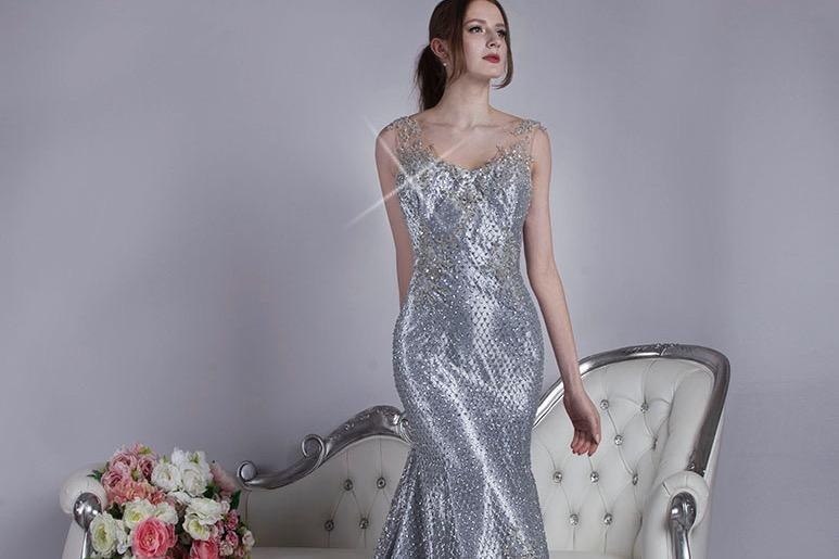 Luxusní společenské šaty stříbrné třpytivé