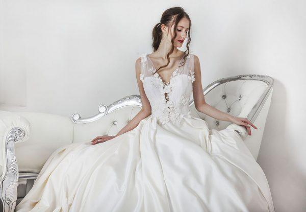 Luxusní francouzské svatební šaty Praha