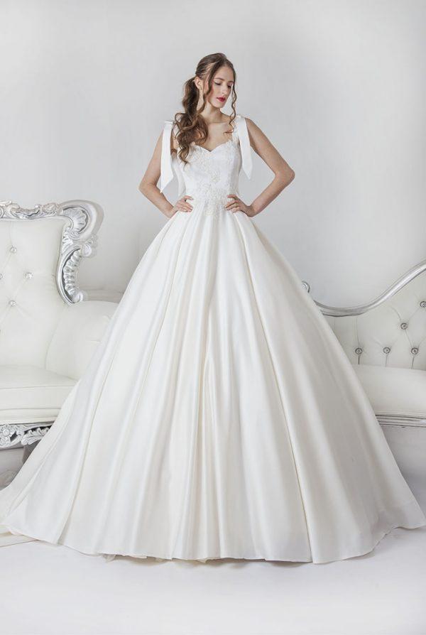 Saténové svatební šaty ze saténu velká velikost
